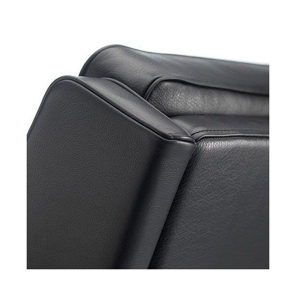 L603 lænestol <br>(Sort læder)