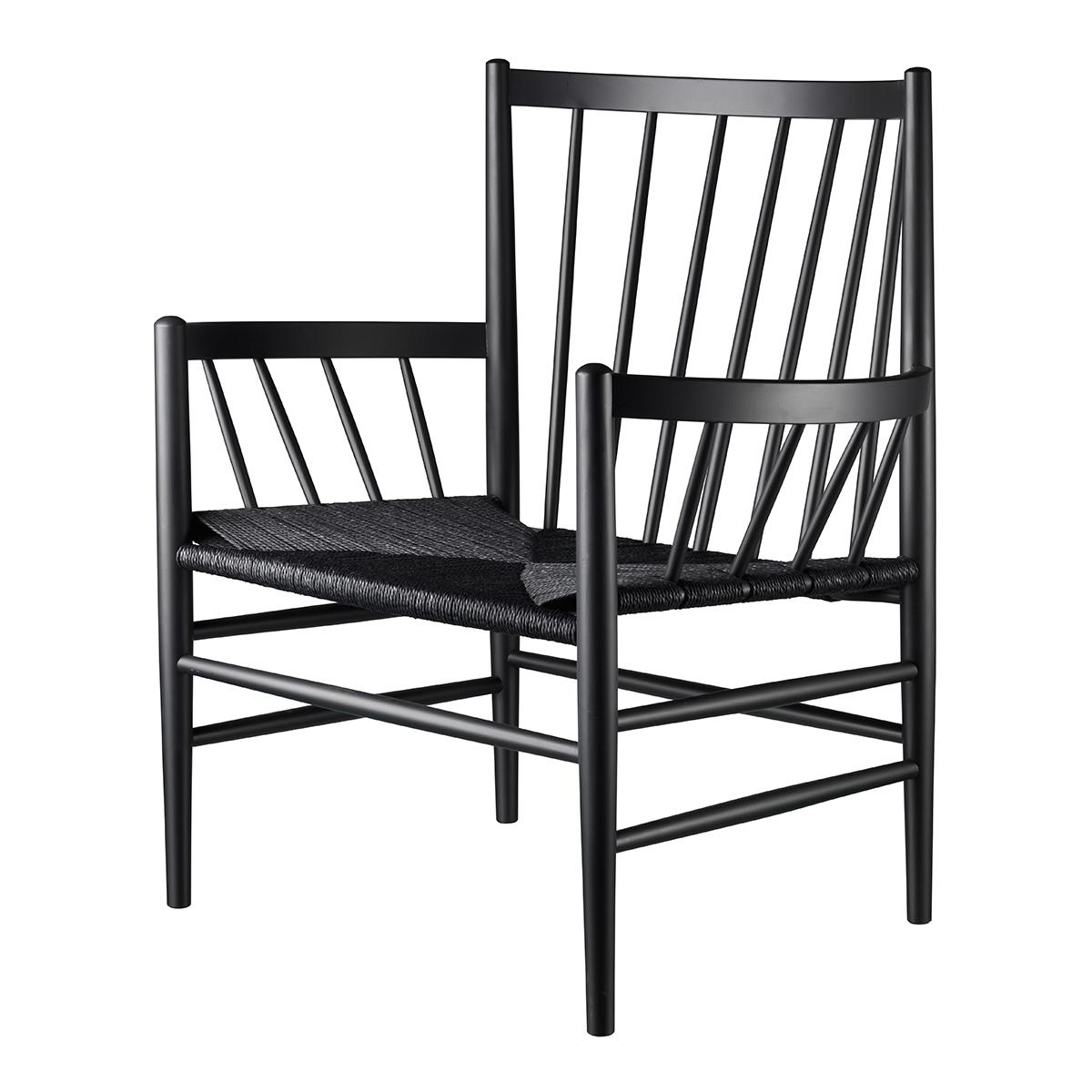 J82 loungestol i sortlakeret bøg fra FDB Møbler Jørgen